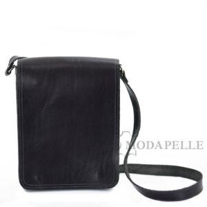 δερμάτινη τσάντα ώμου σε χρώμα μαύρο