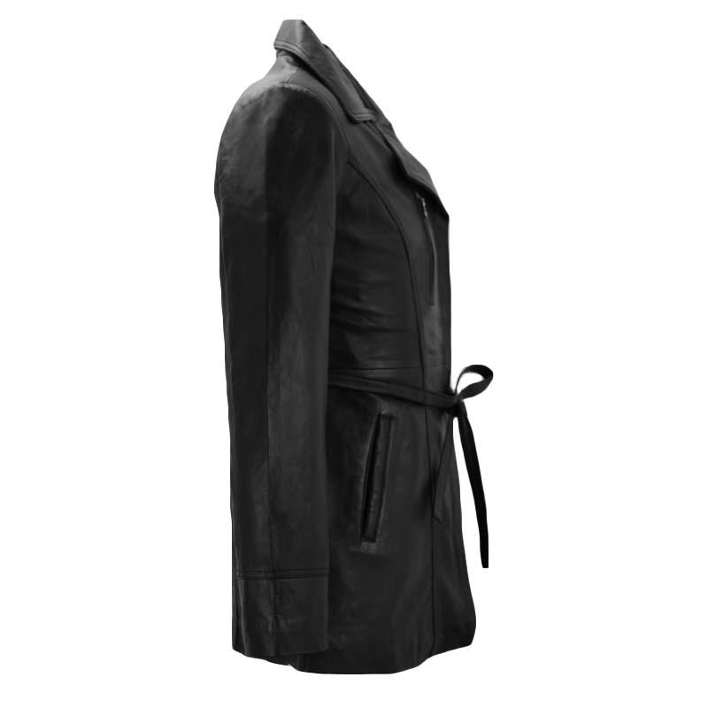 μπουφάν σε μαύρο χρώμα